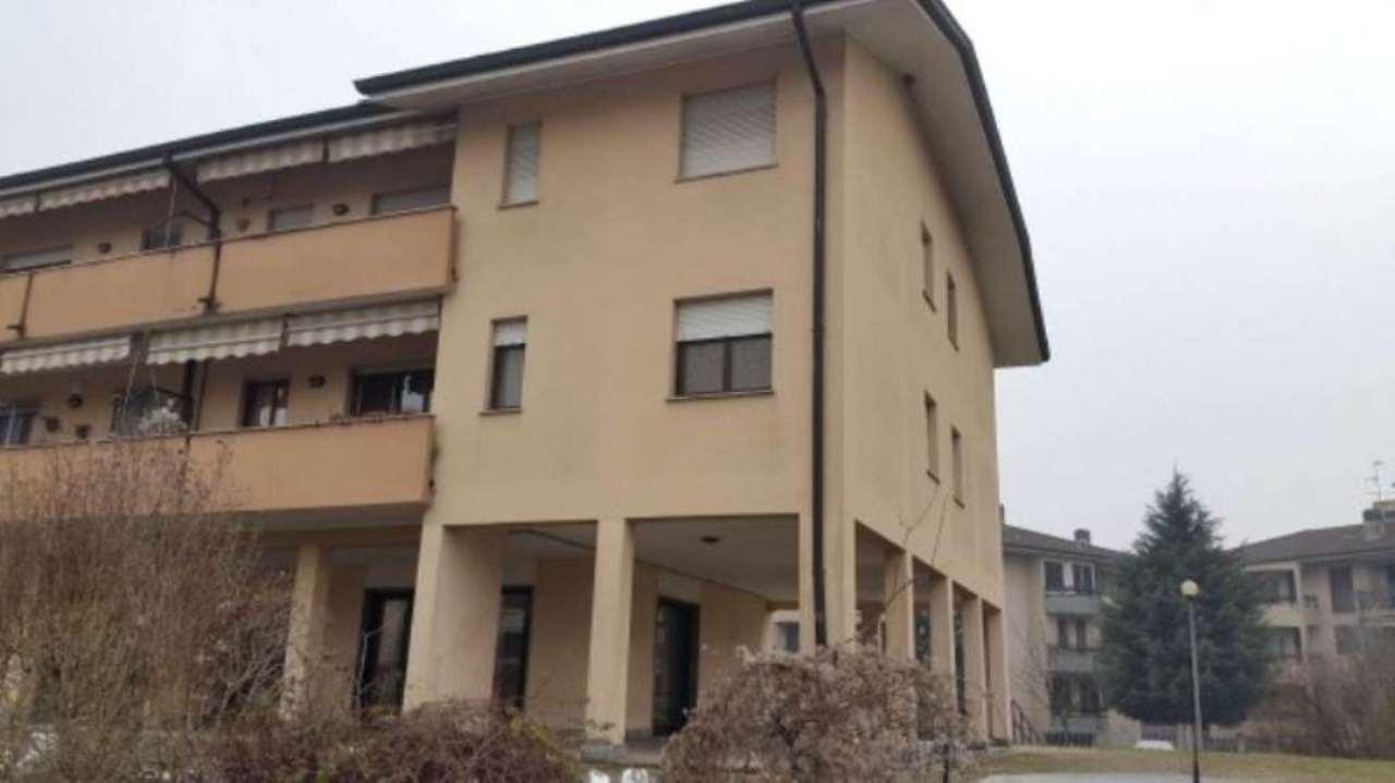Negozio / Locale in affitto a Pantigliate, 2 locali, prezzo € 500 | Cambio Casa.it