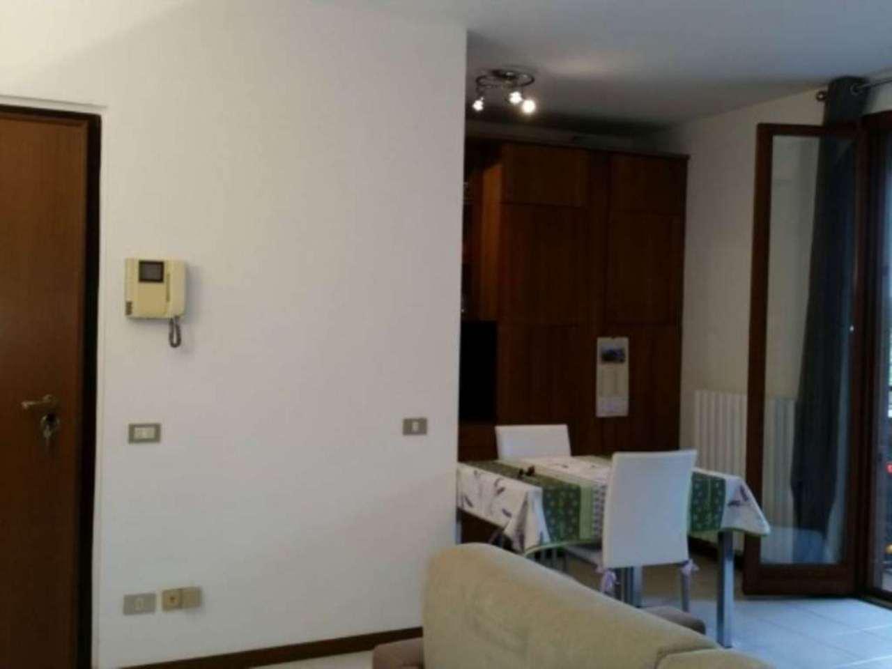 Appartamento in affitto a Peschiera Borromeo, 2 locali, prezzo € 700 | CambioCasa.it