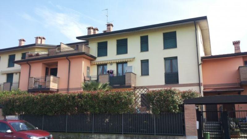 Appartamento in affitto a Comazzo, 2 locali, prezzo € 400 | CambioCasa.it