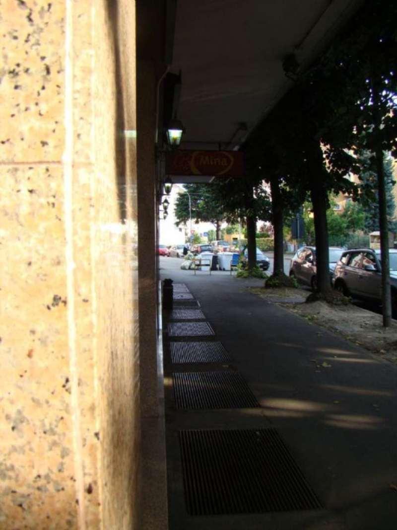 Negozio / Locale in Vendita a Peschiera Borromeo