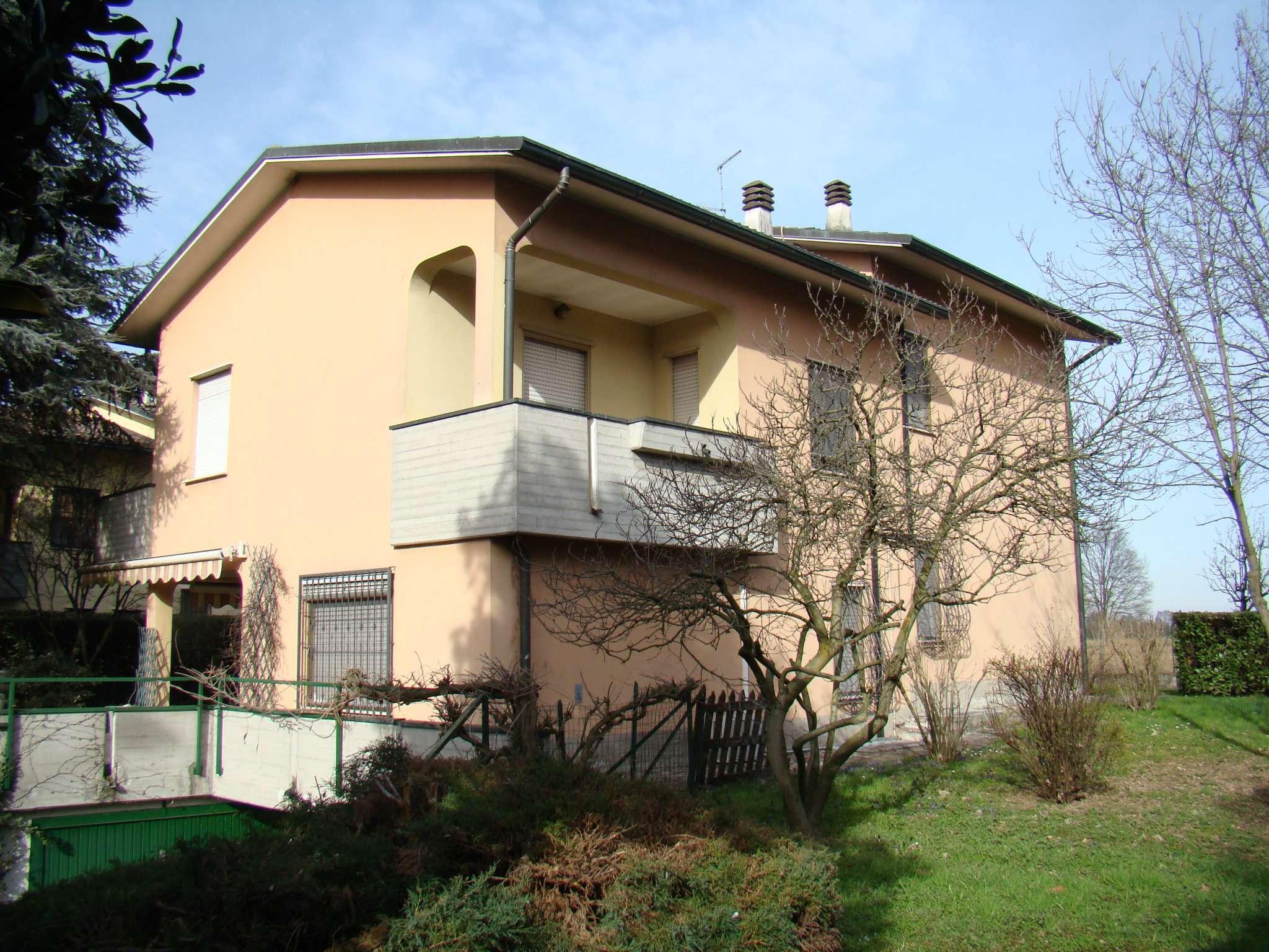 Villa in vendita a Mediglia, 7 locali, prezzo € 499.000 | Cambio Casa.it