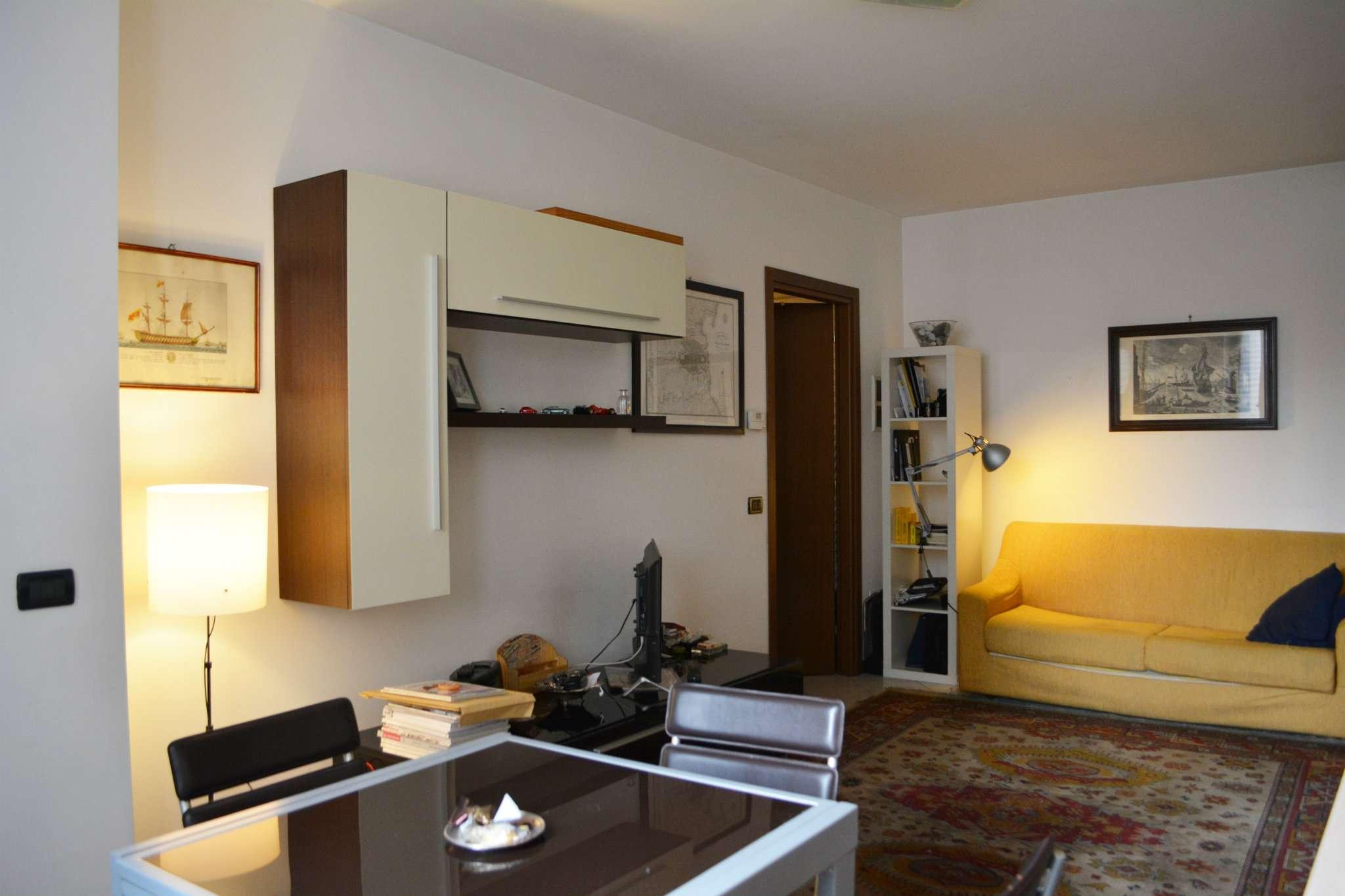 Appartamento in affitto a Peschiera Borromeo, 2 locali, prezzo € 650   CambioCasa.it