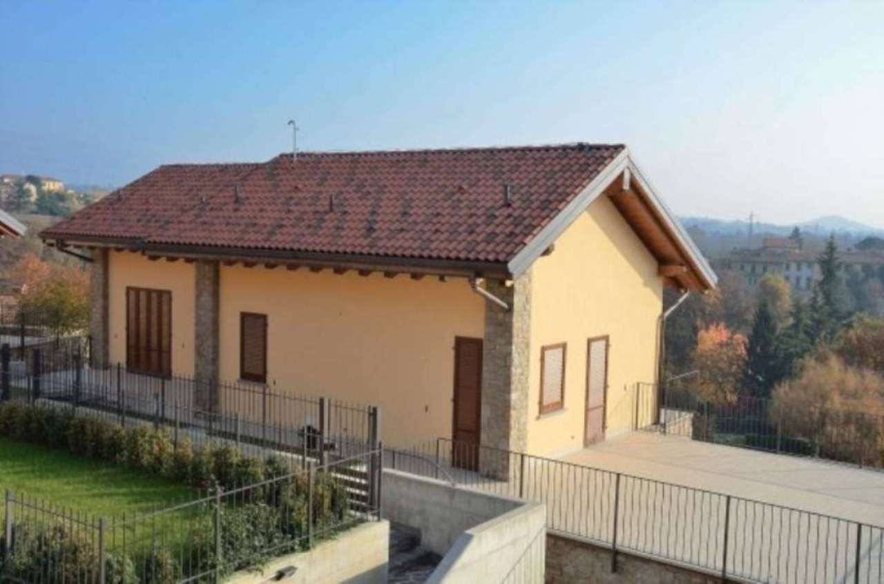 Villa in vendita a Montevecchia, 6 locali, prezzo € 920.000 | Cambio Casa.it