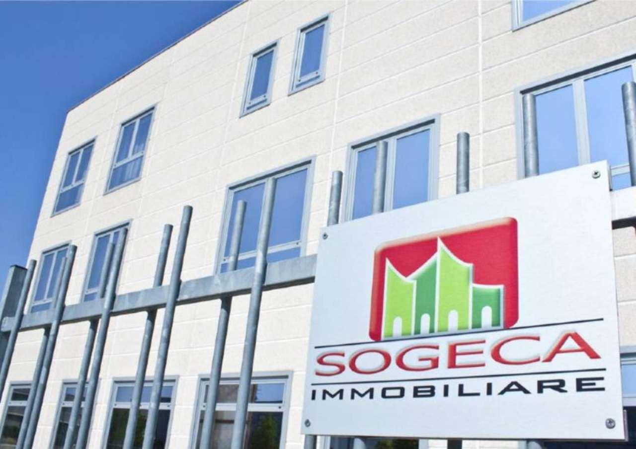 Ufficio / Studio in vendita a Pessano con Bornago, 7 locali, prezzo € 350.000 | Cambio Casa.it