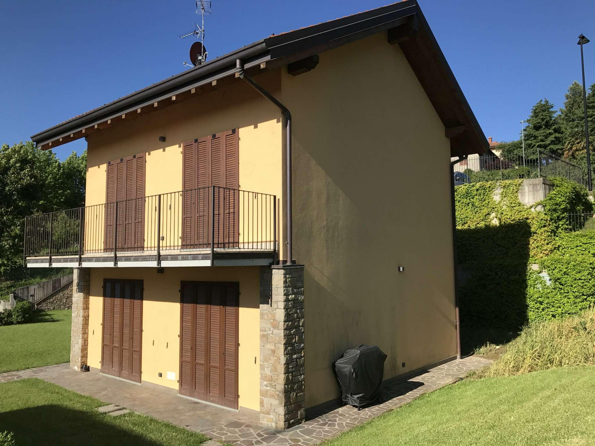 Villa Bifamiliare in Vendita a Montevecchia