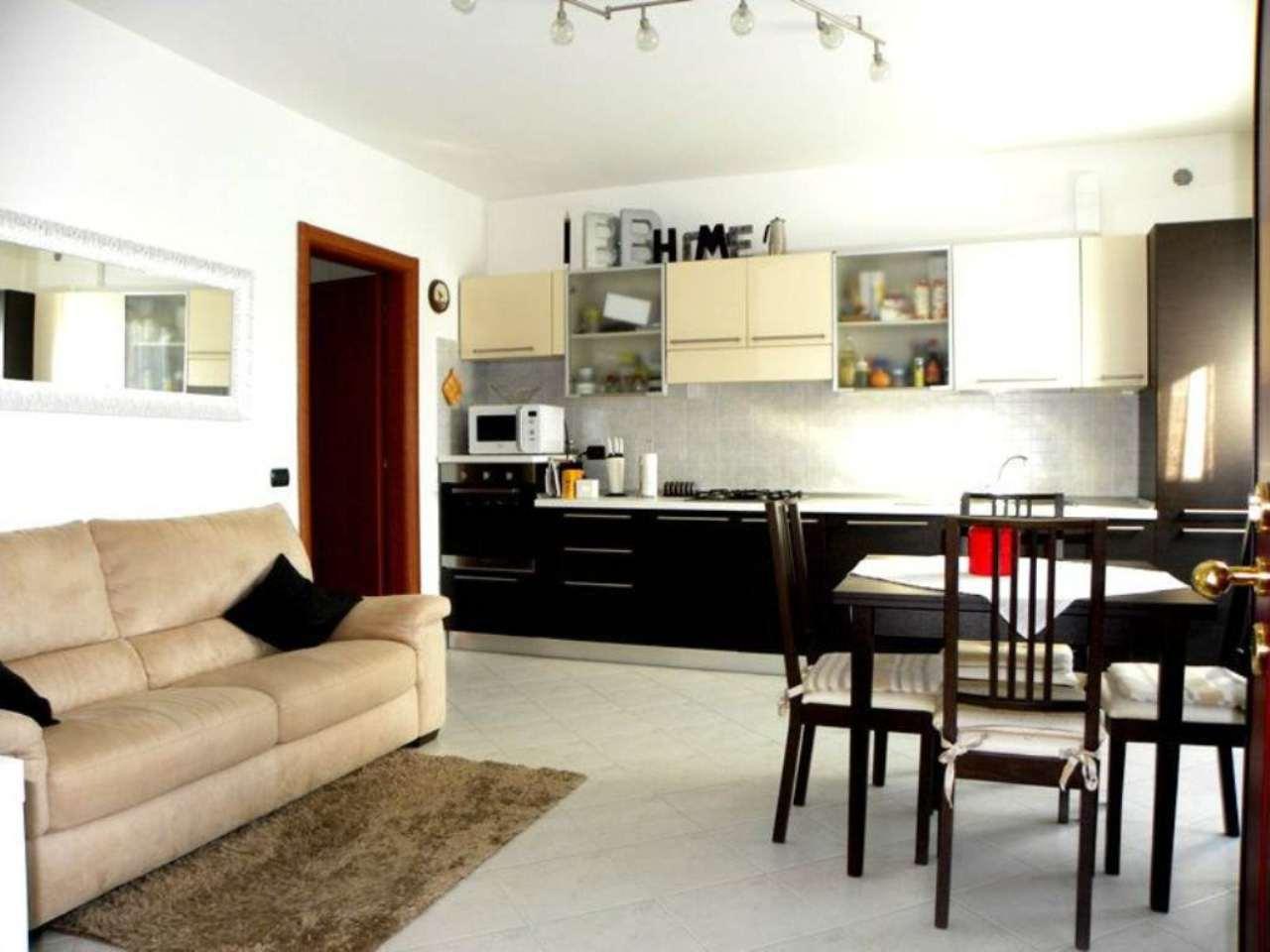 Appartamento in vendita a Vizzolo Predabissi, 2 locali, prezzo € 135.000 | Cambio Casa.it