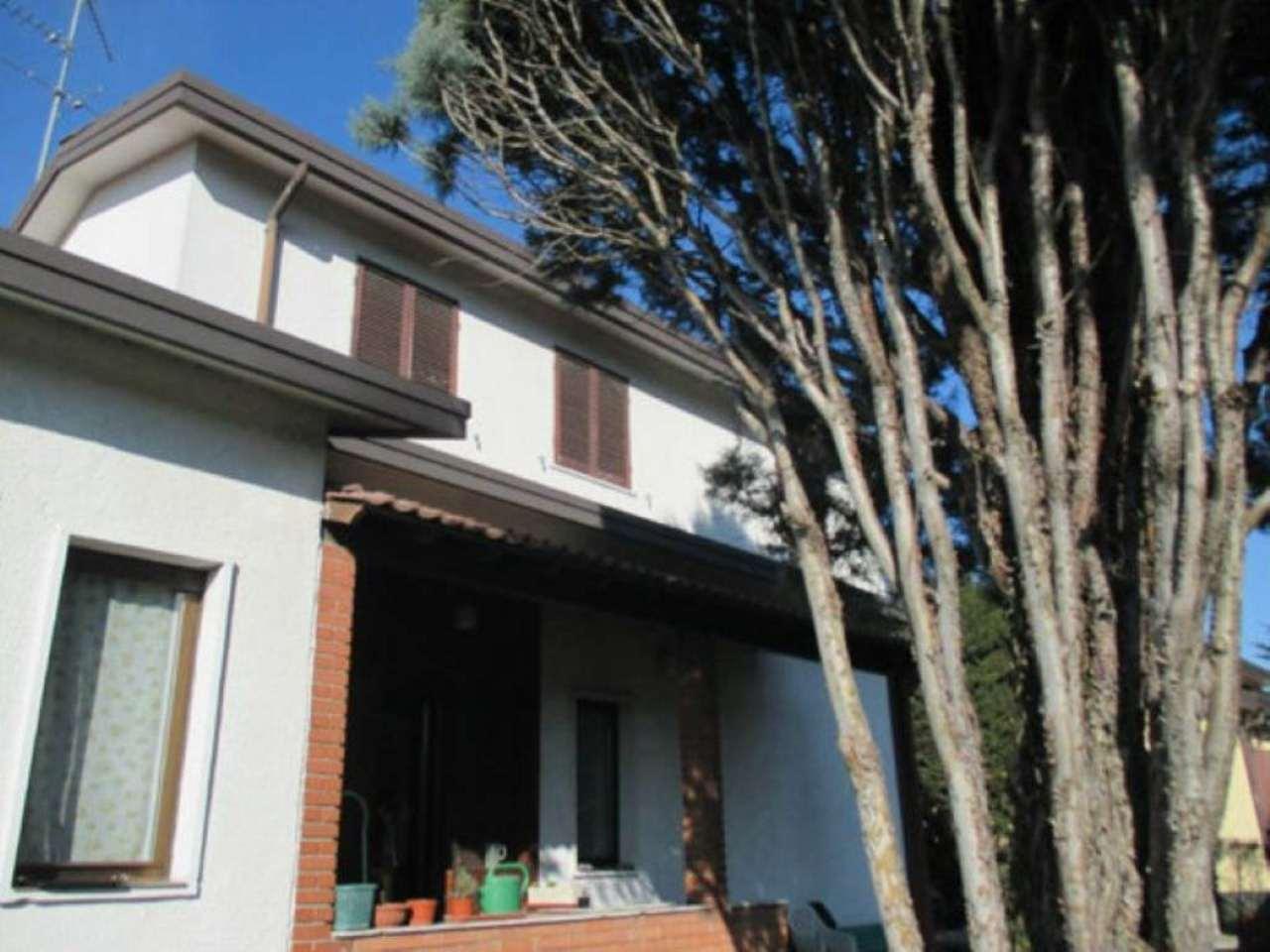 Villa in Vendita a Segrate: 5 locali, 246 mq