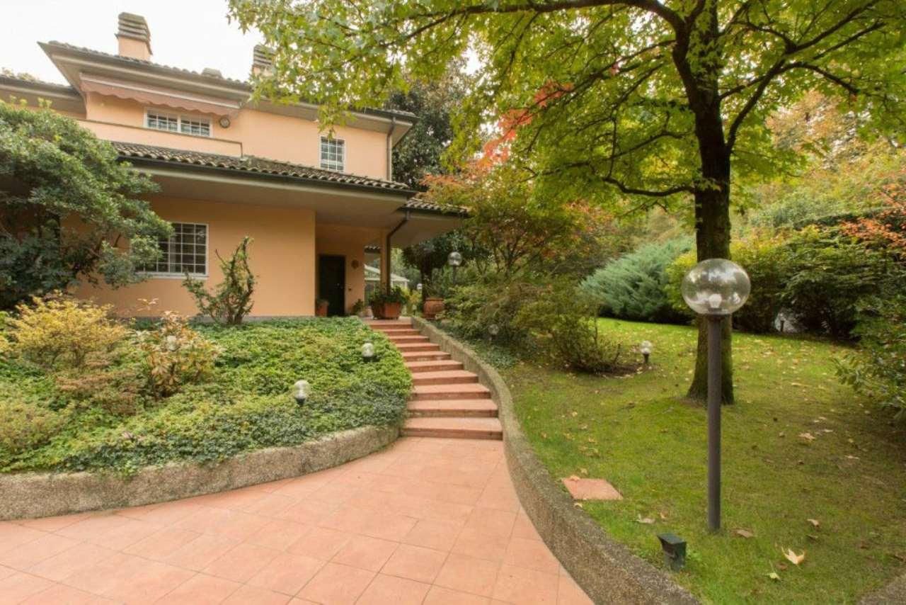 Villa in Vendita a Segrate via dello sport