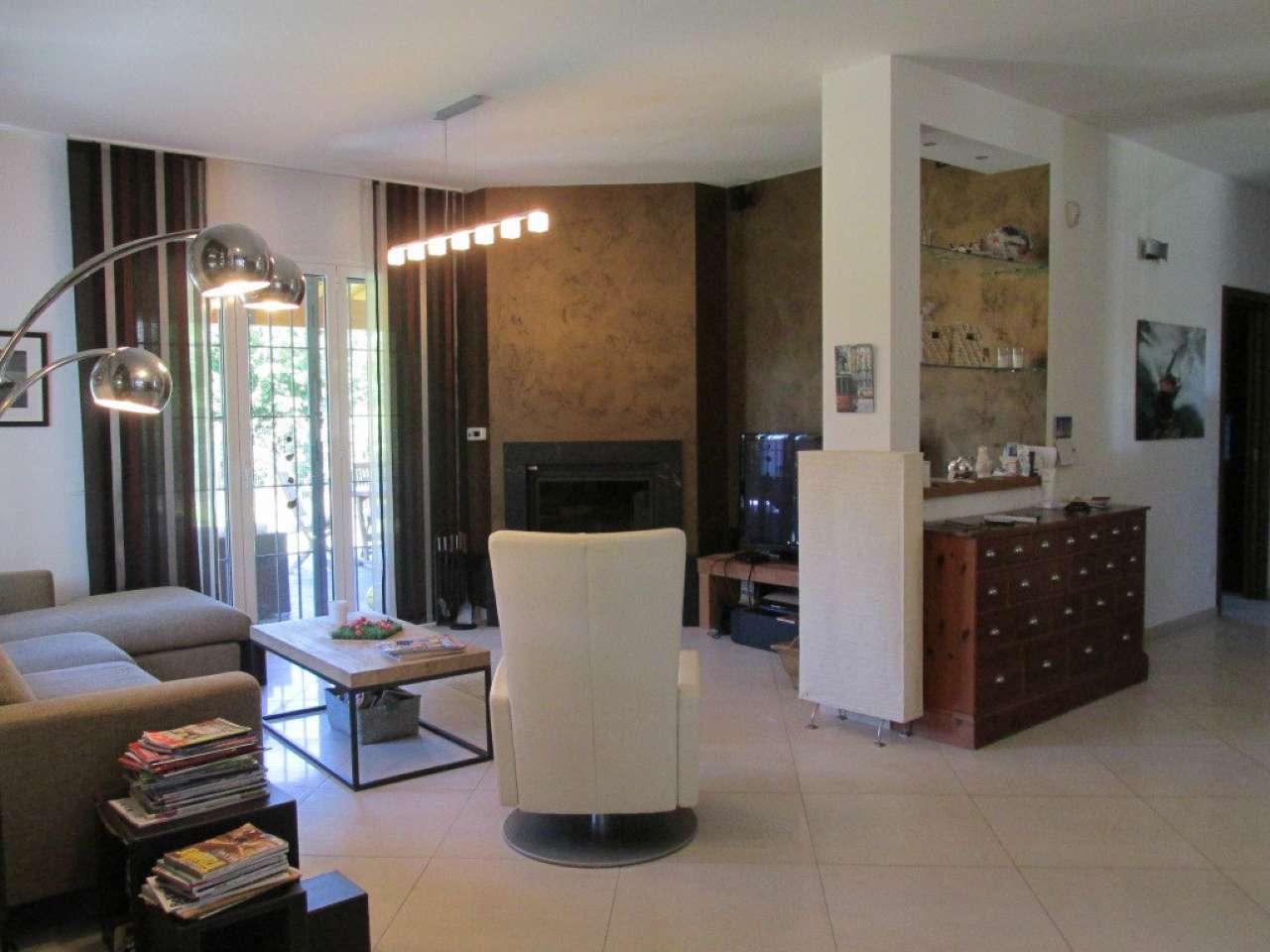 Villa in Vendita a Segrate: 5 locali, 300 mq - Foto 2