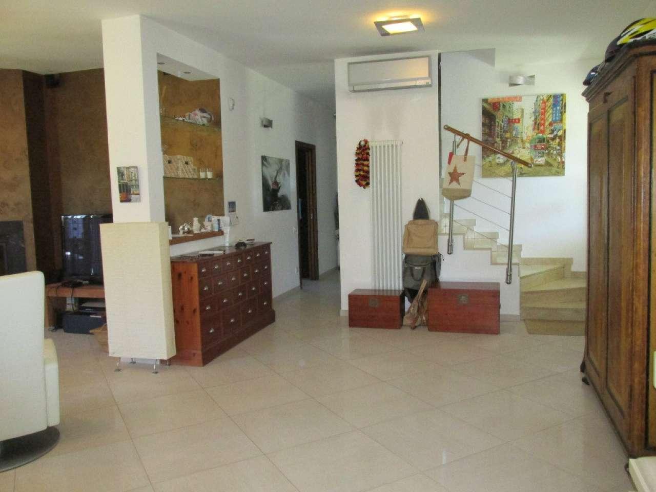 Villa in Vendita a Segrate: 5 locali, 300 mq - Foto 3