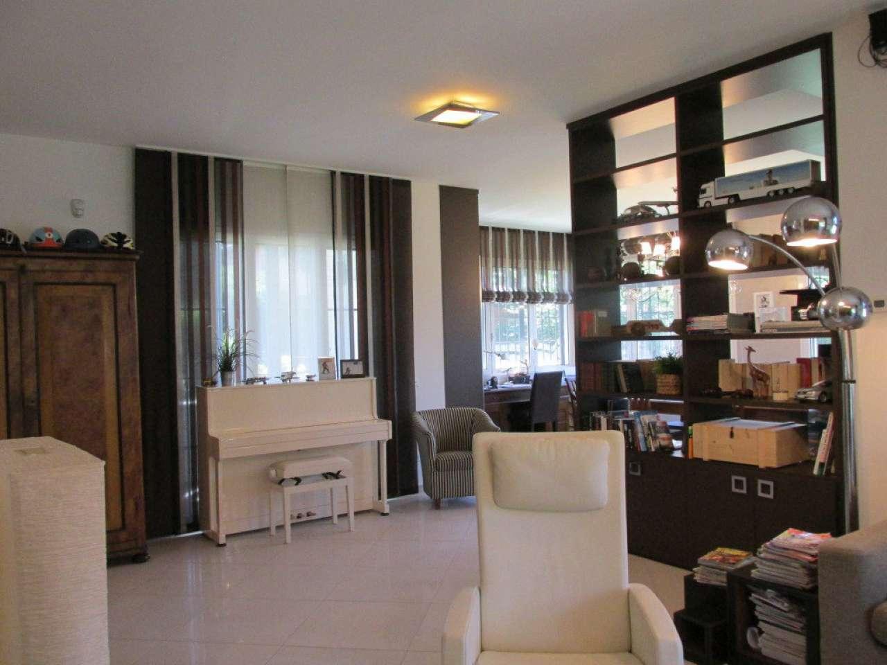 Villa in Vendita a Segrate: 5 locali, 300 mq - Foto 4