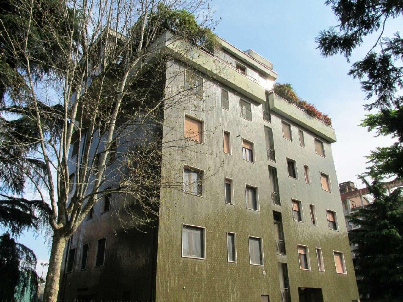 Appartamento in Vendita a Segrate: 5 locali, 150 mq