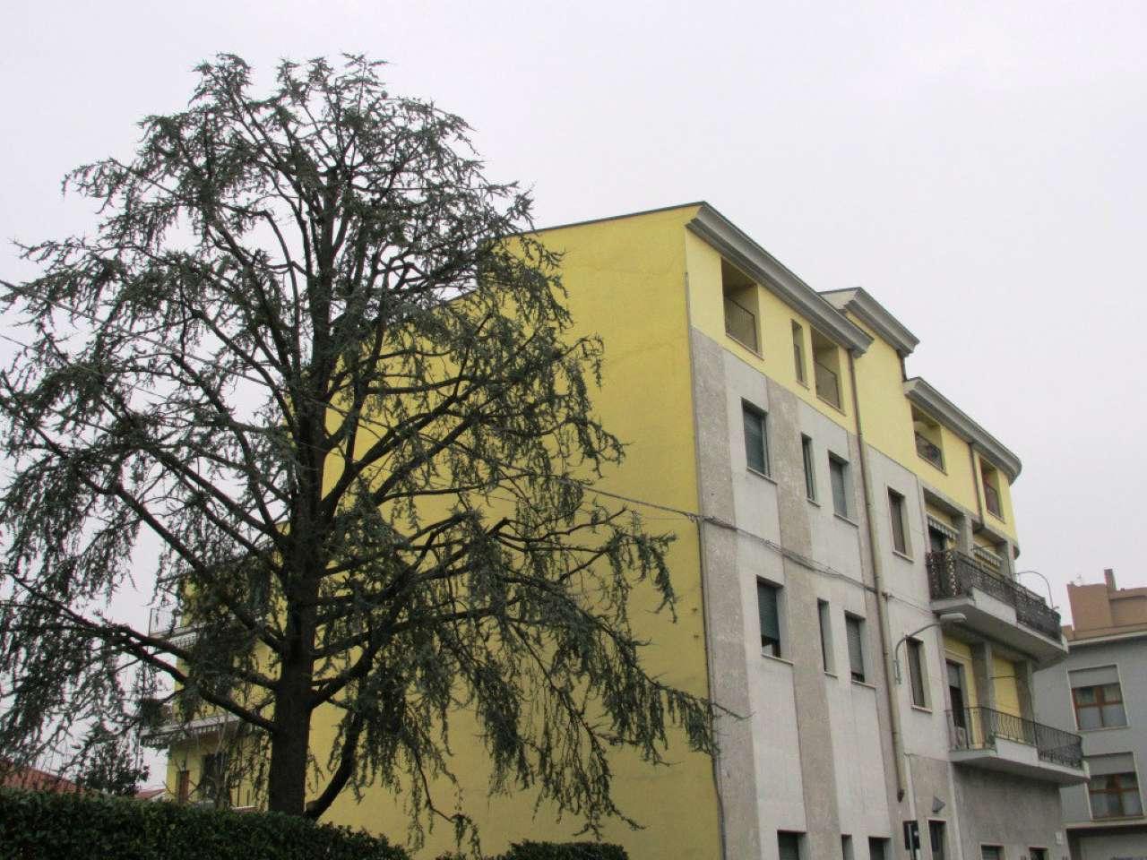 Appartamento in Affitto a Lissone: 2 locali, 60 mq