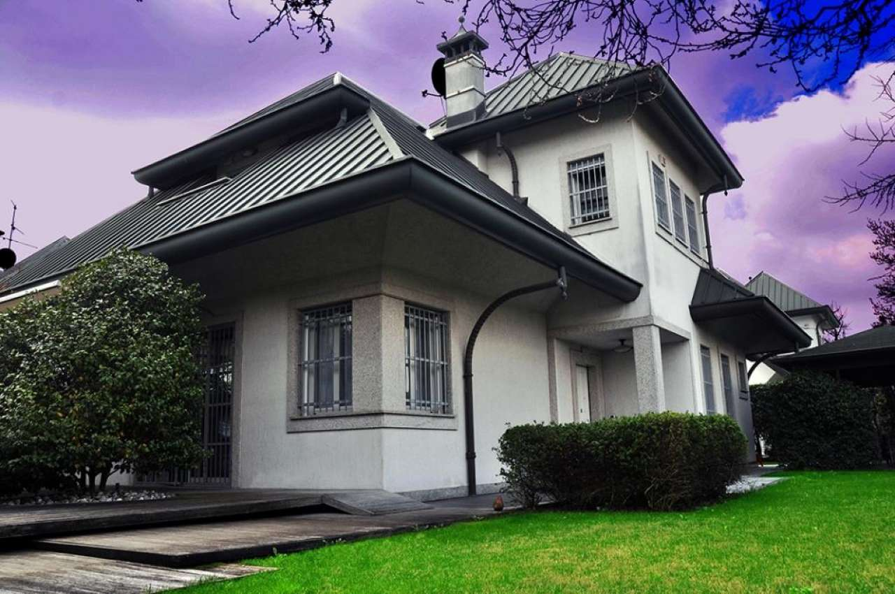 Villa in Vendita a Segrate: 5 locali, 385 mq
