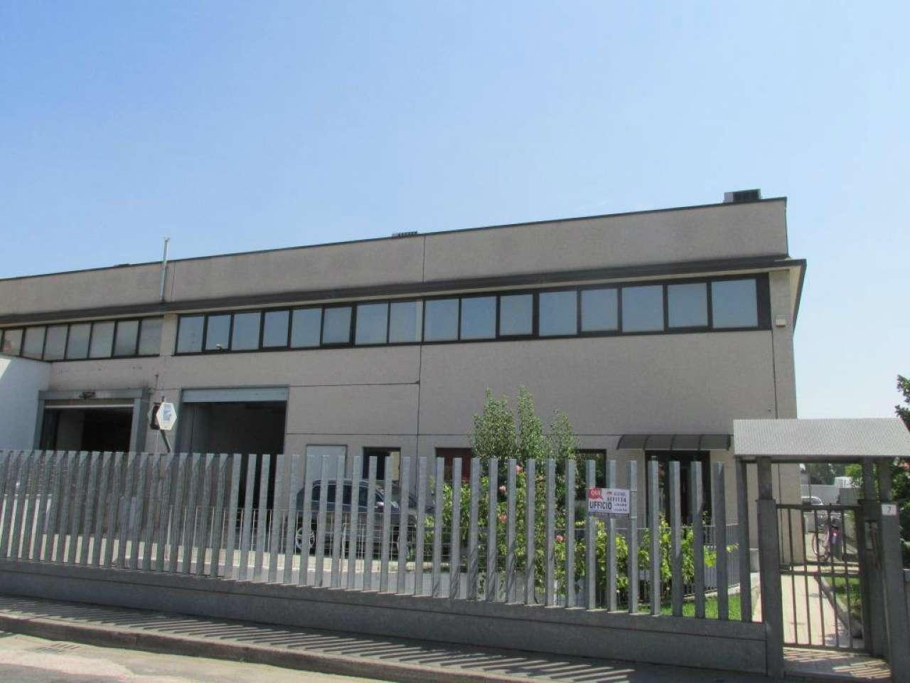 Ufficio-studio in Affitto a Segrate: 5 locali, 155 mq