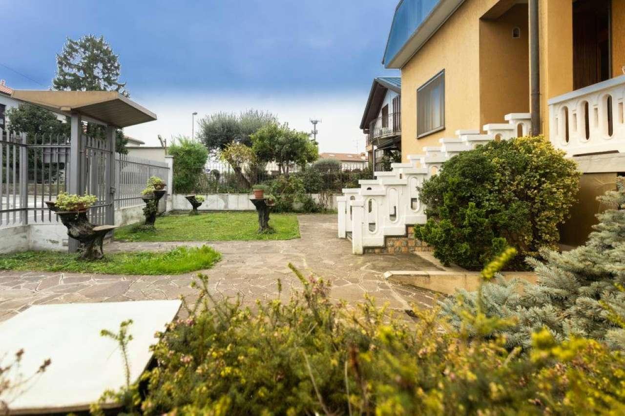 Villa in Vendita a Liscate: 5 locali, 300 mq