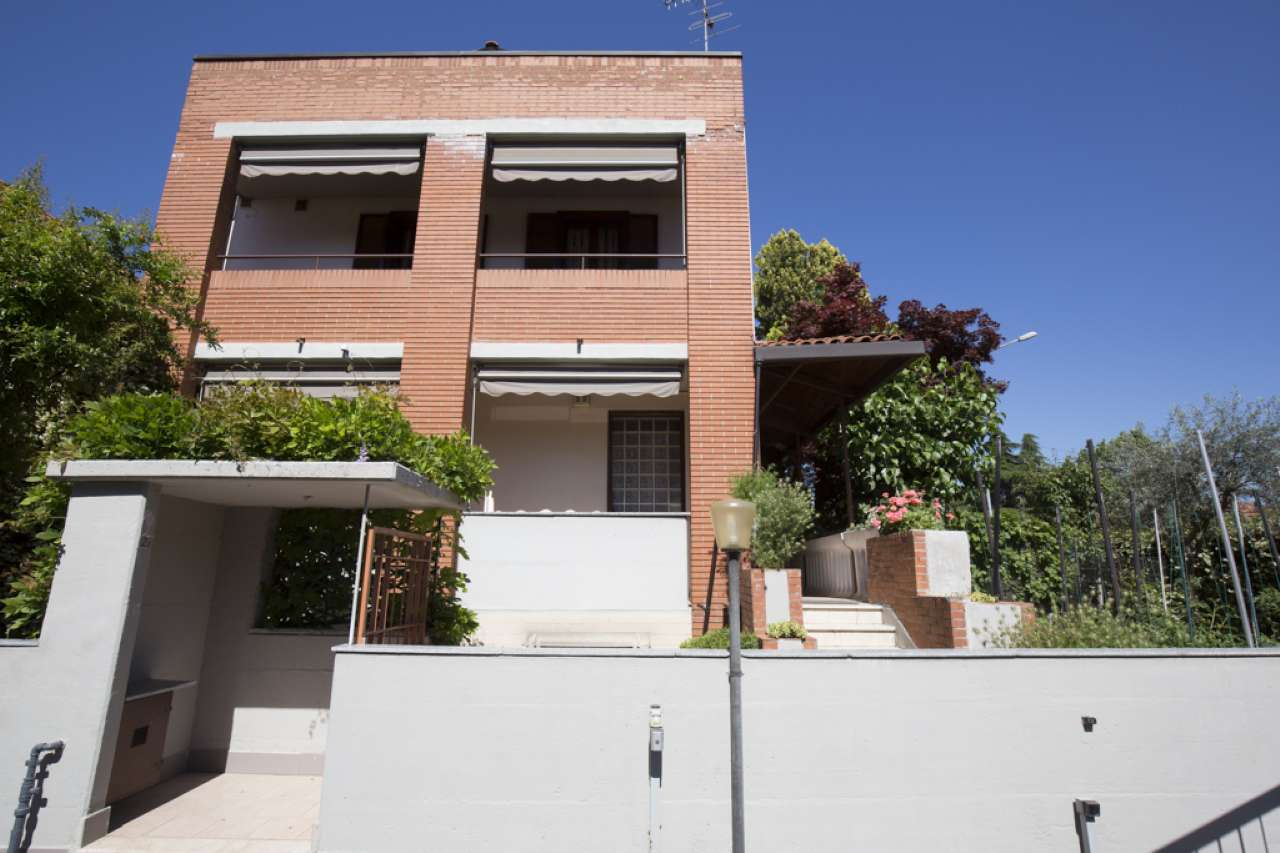 Villa in Vendita a Liscate: 5 locali, 265 mq