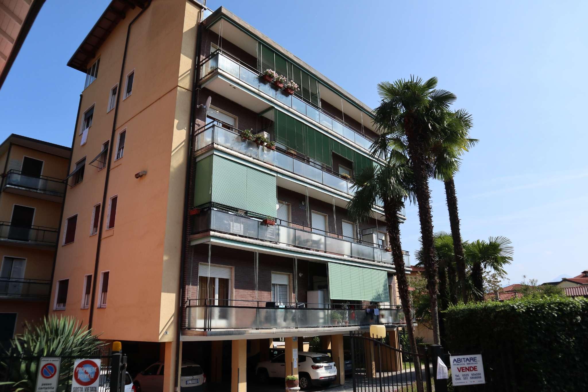 Appartamento in Affitto a Baveno: 3 locali, 100 mq