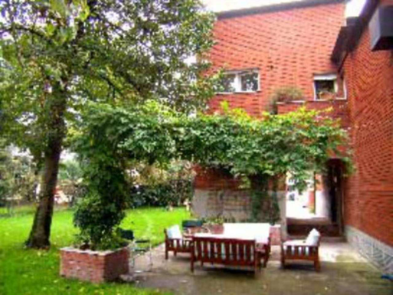 Villa in Vendita a Segrate via via resegone