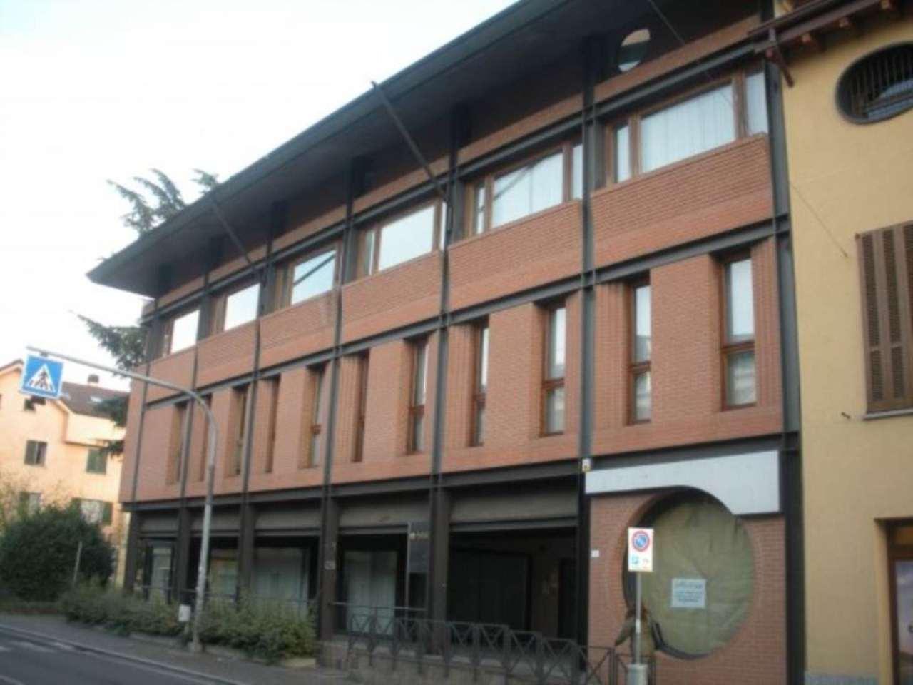 Ufficio studio in affitto a cassina de 39 pecchi via roma for Studio affitto roma