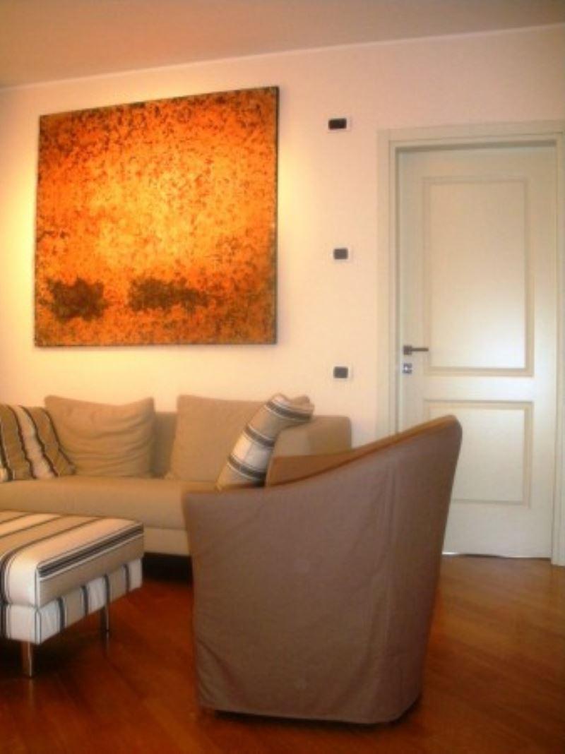 Appartamento in Vendita a Segrate: 2 locali, 1 mq