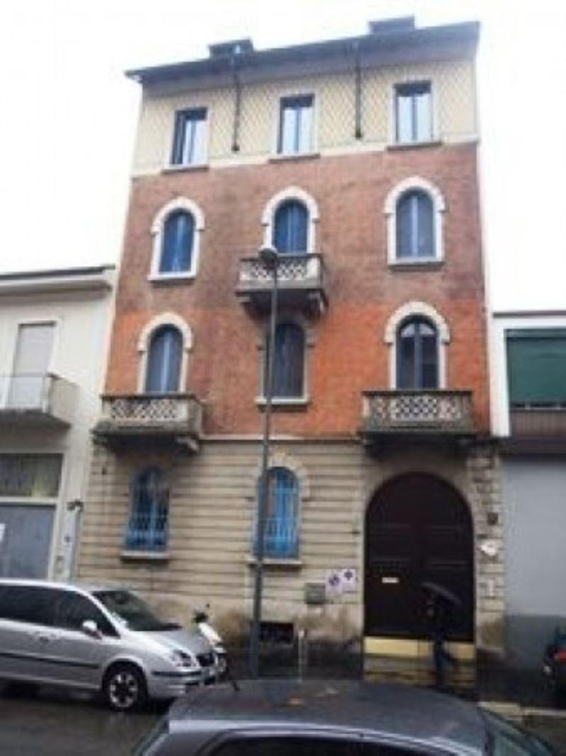 Attico in Vendita a Milano 14 Tibaldi / Cermenate / Antonini / Ortles / Bonomelli: 2 locali, 70 mq