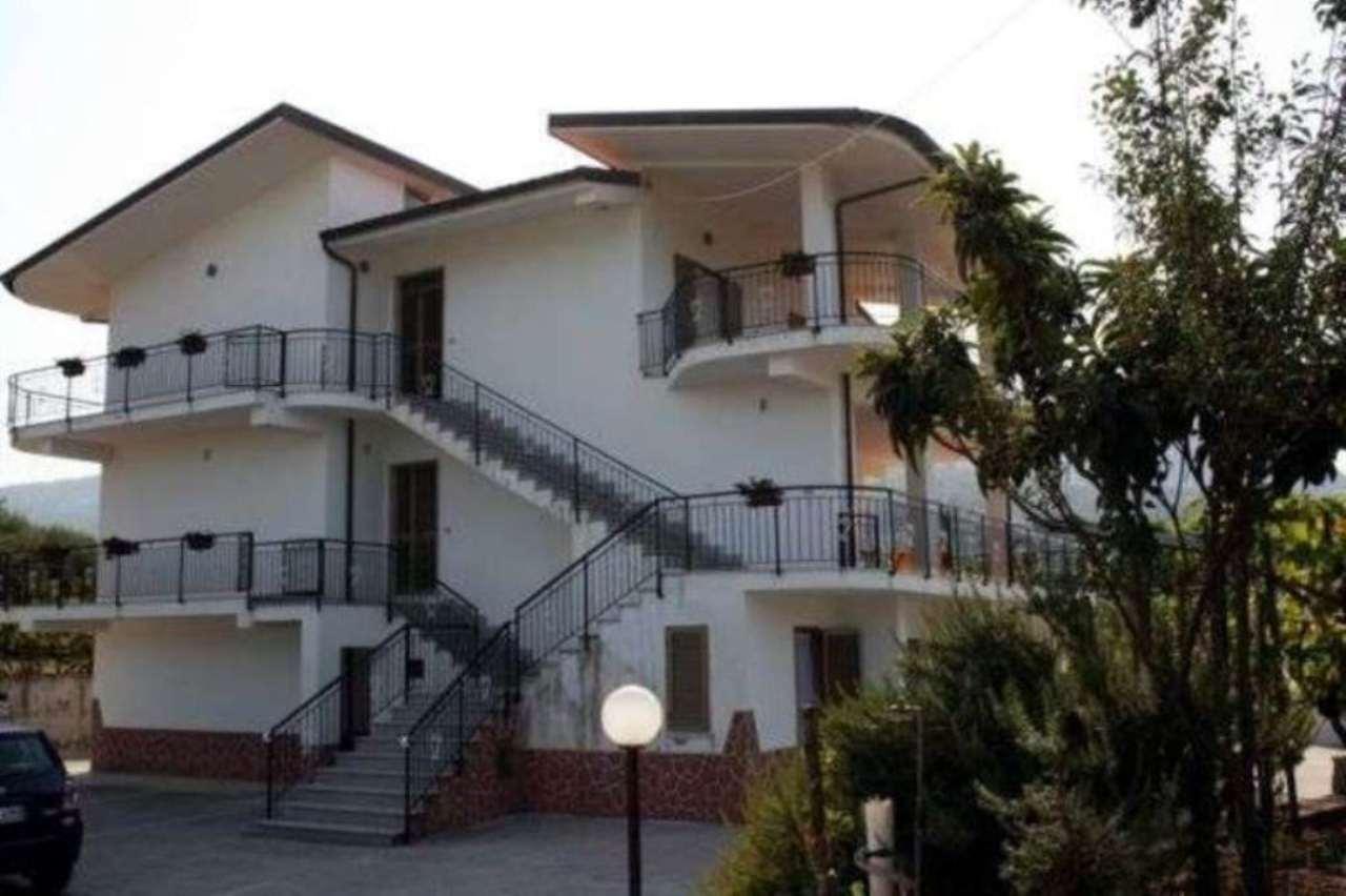 Palazzo-stabile Vendita Ricadi