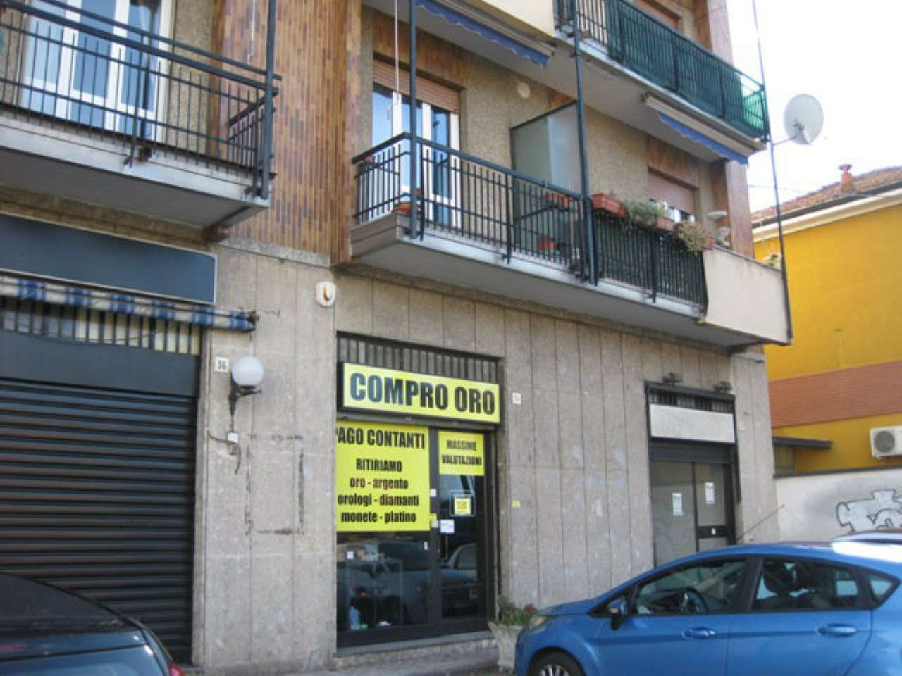 Negozio / Locale in Vendita a Paderno Dugnano