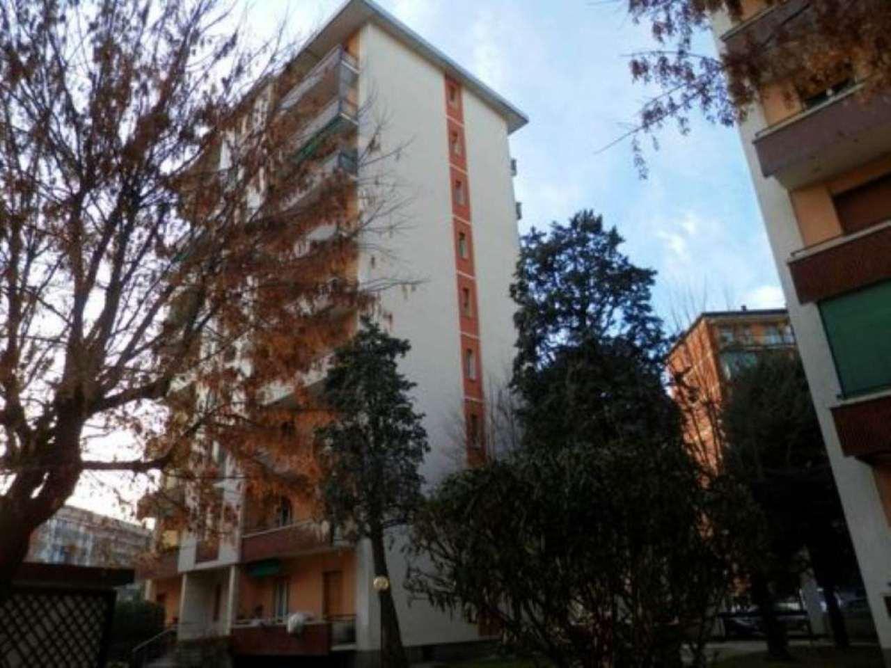 Bilocale Milano Piazza Siena 1