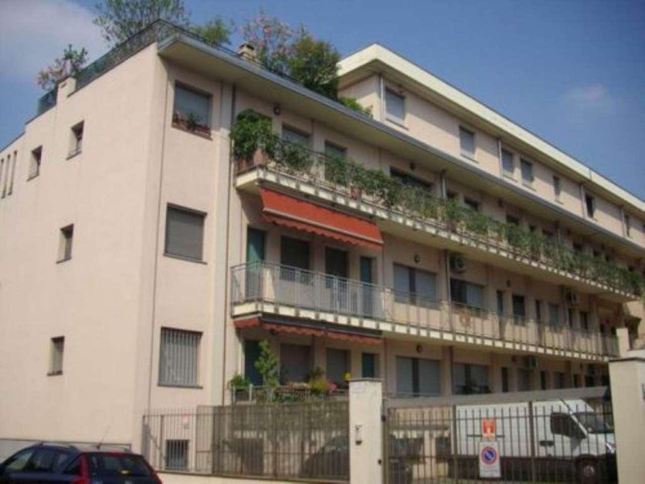 Bilocale Milano Via Sant Uguzzone 1