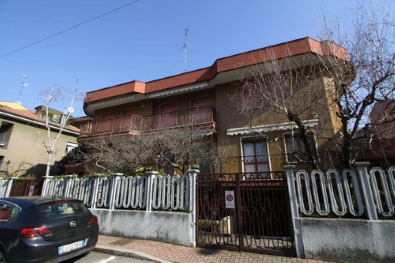 Villa Bifamiliare in Affitto a Cinisello Balsamo
