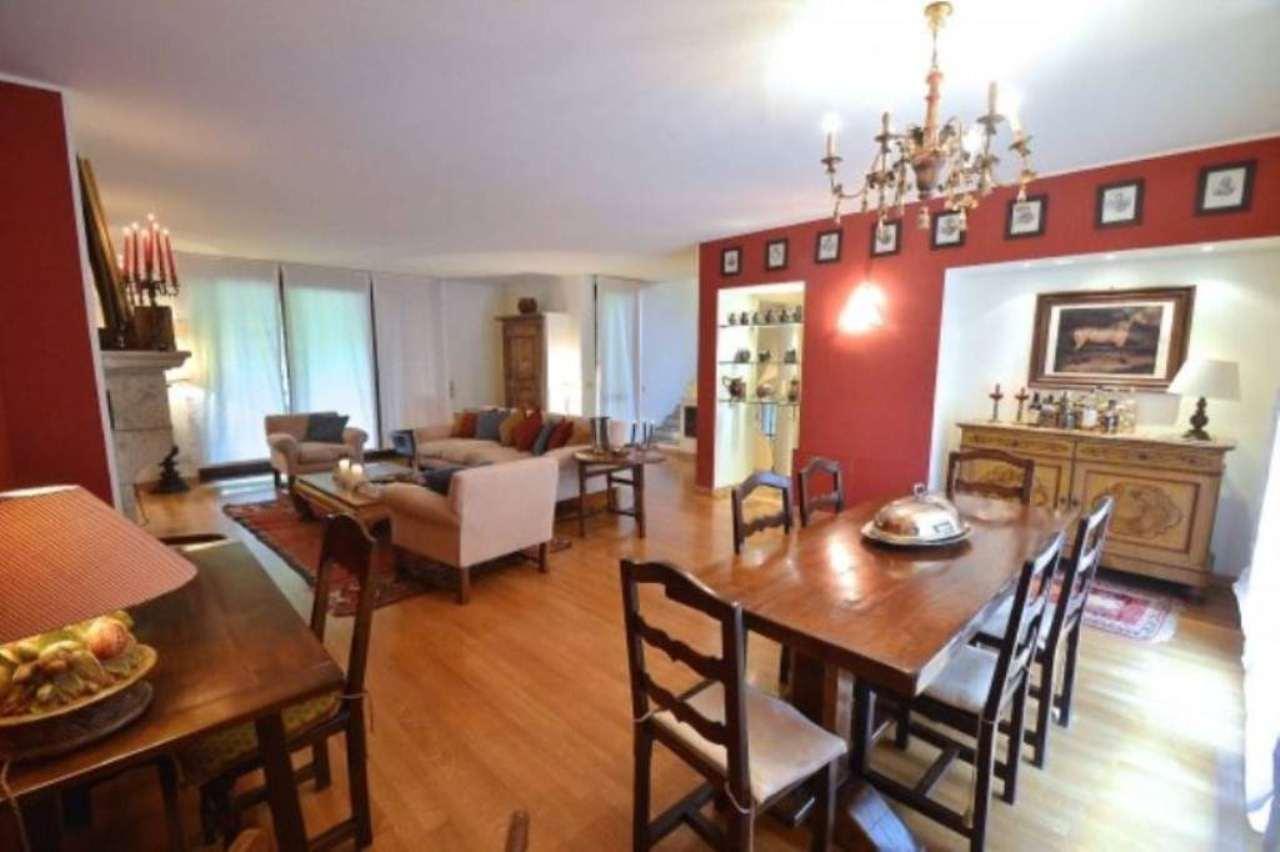 Villa in vendita a Cusago, 6 locali, prezzo € 950.000 | Cambio Casa.it