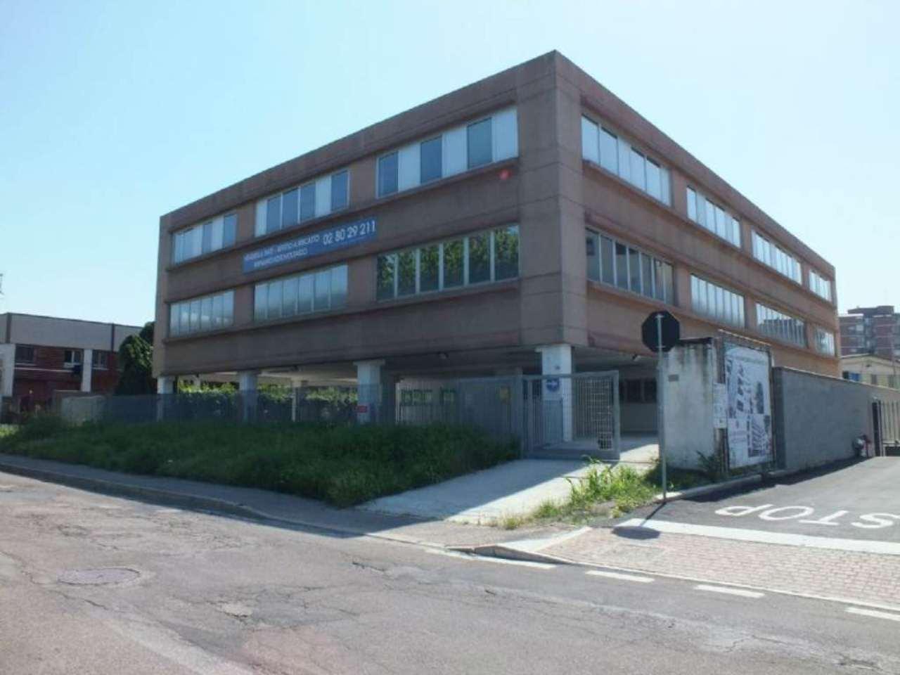 Ufficio / Studio in vendita a Trezzano sul Naviglio, 8 locali, prezzo € 550.000 | Cambio Casa.it