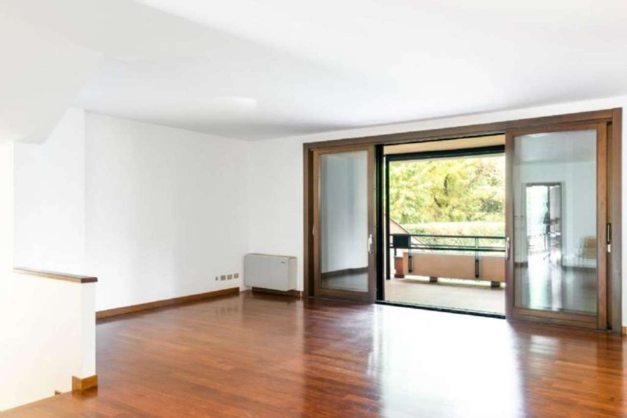 Villa in vendita a Cusago, 5 locali, prezzo € 695.000 | Cambio Casa.it