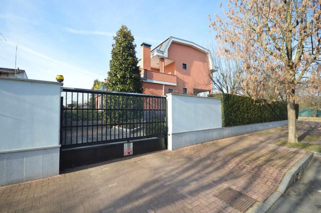Villa Bifamiliare in Vendita a Cusago