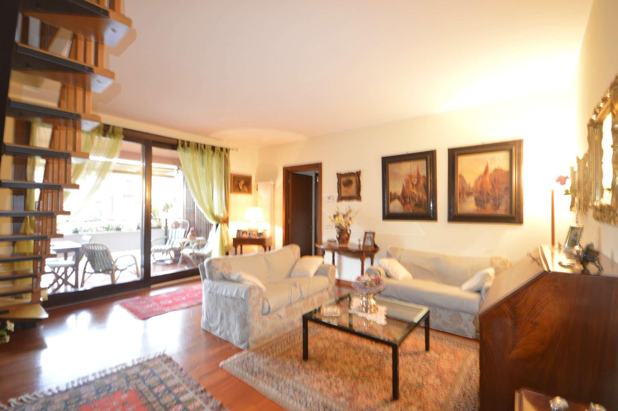 Appartamento in vendita a Cusago, 5 locali, prezzo € 380.000 | Cambio Casa.it