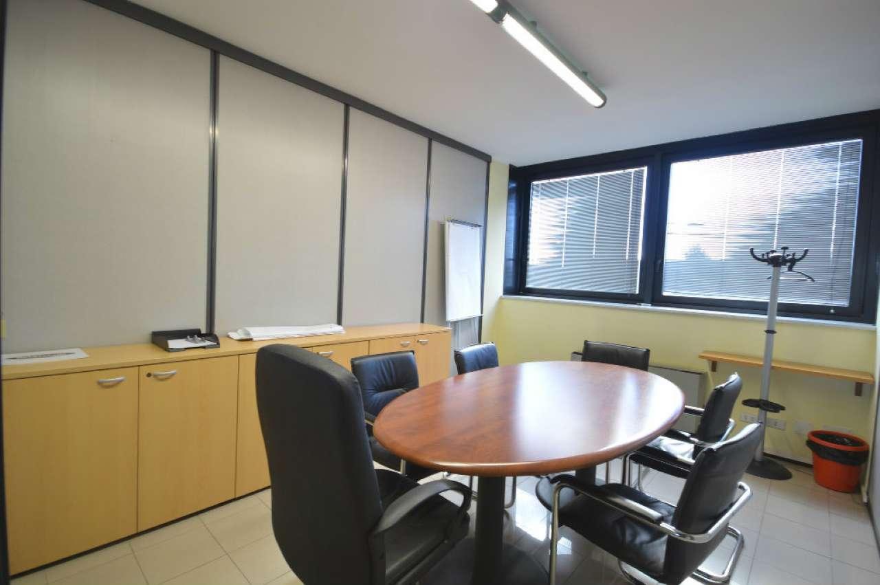 Ufficio / Studio in vendita a Cusago, 6 locali, prezzo € 210.000 | Cambio Casa.it