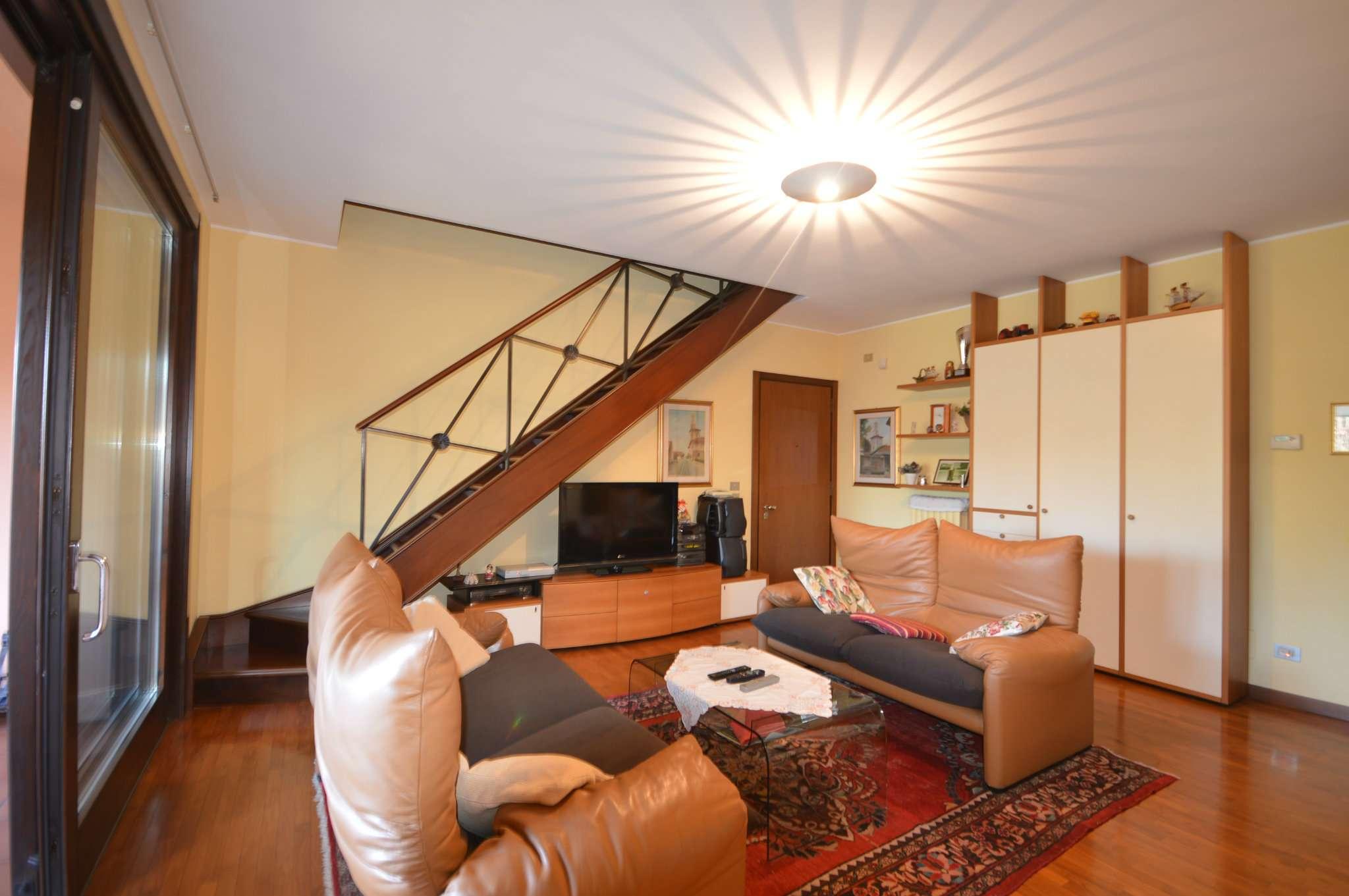 Appartamento in vendita a Cusago, 5 locali, prezzo € 470.000 | Cambio Casa.it