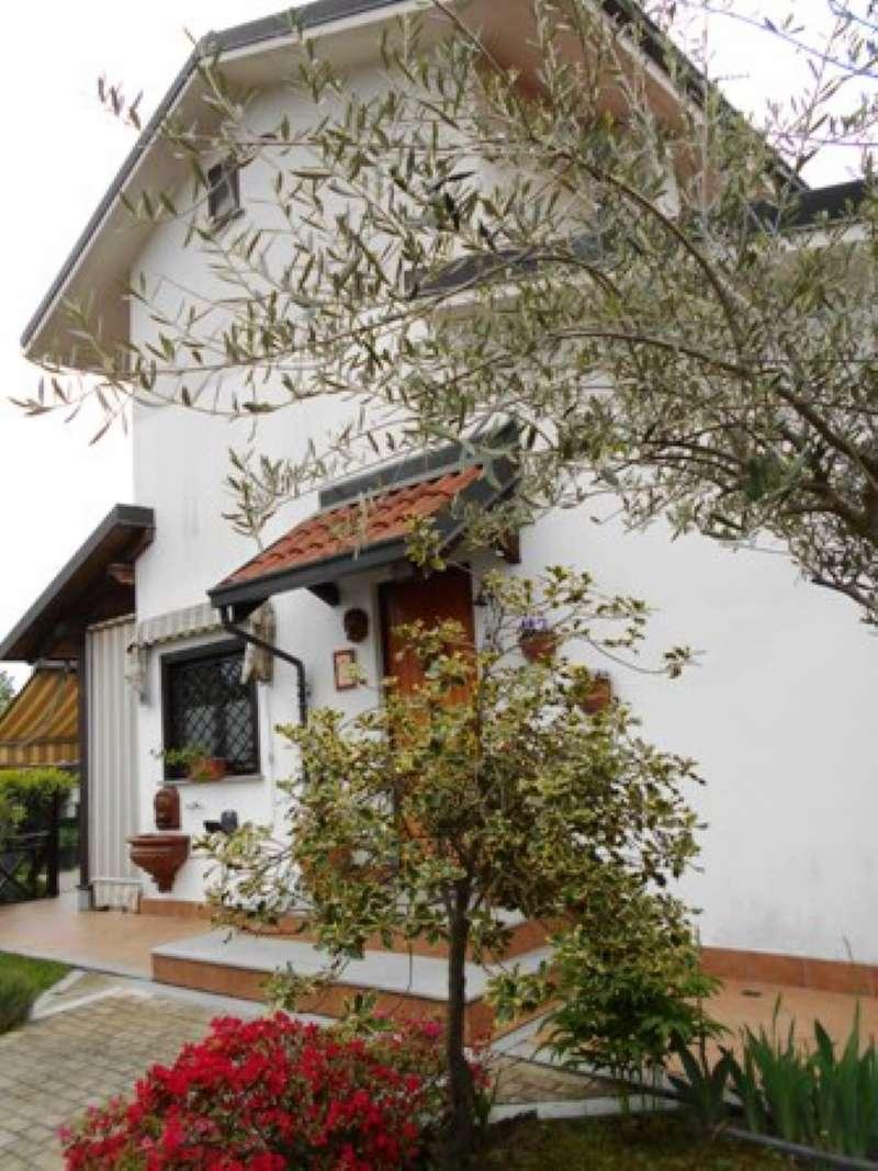 Foto 1 di Villa a Schiera via Domenico Giuliano 5/I, Barbania