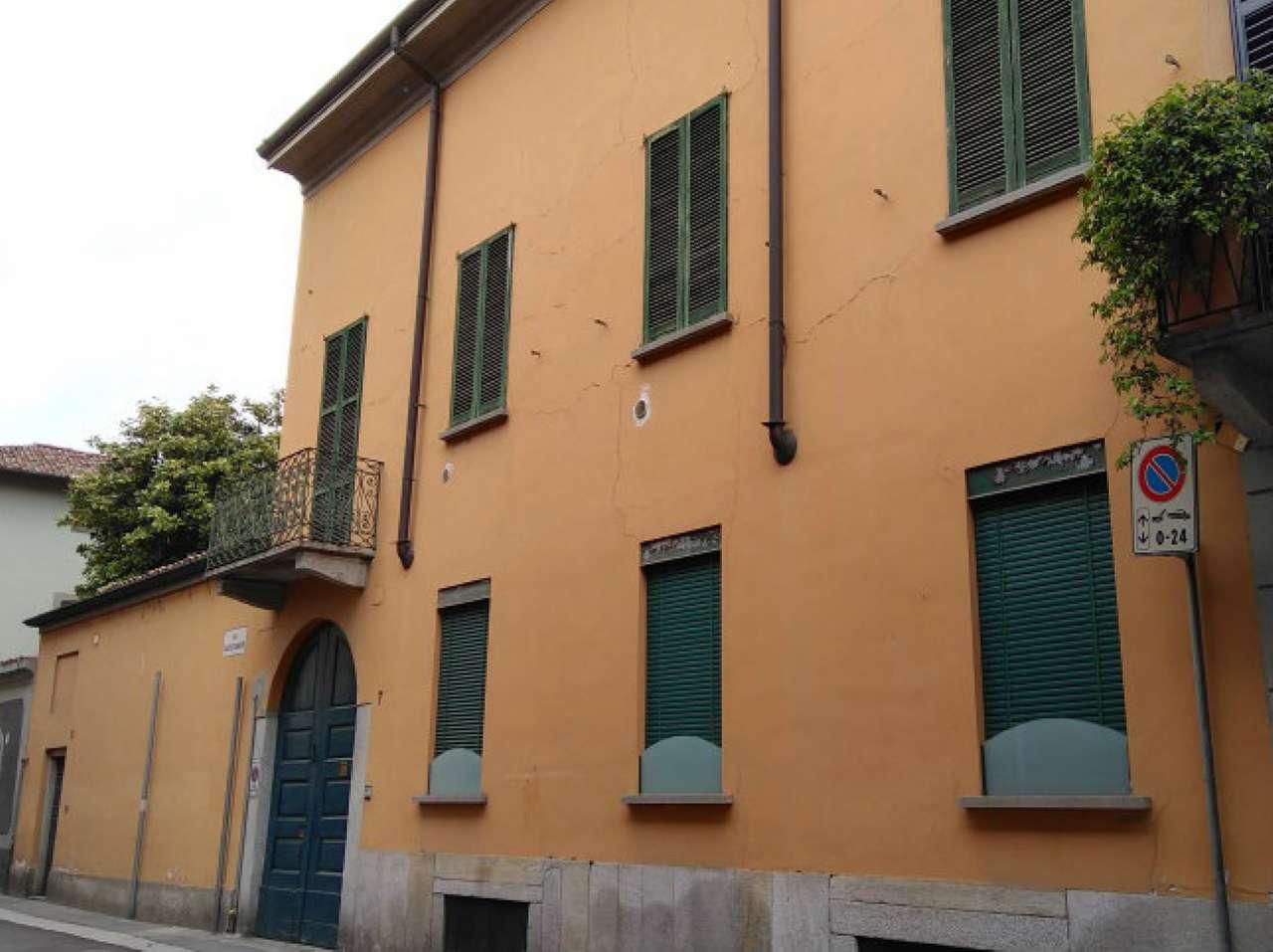 Palazzo / Stabile in vendita a Lodi, 5 locali, prezzo € 1.260.000 | CambioCasa.it