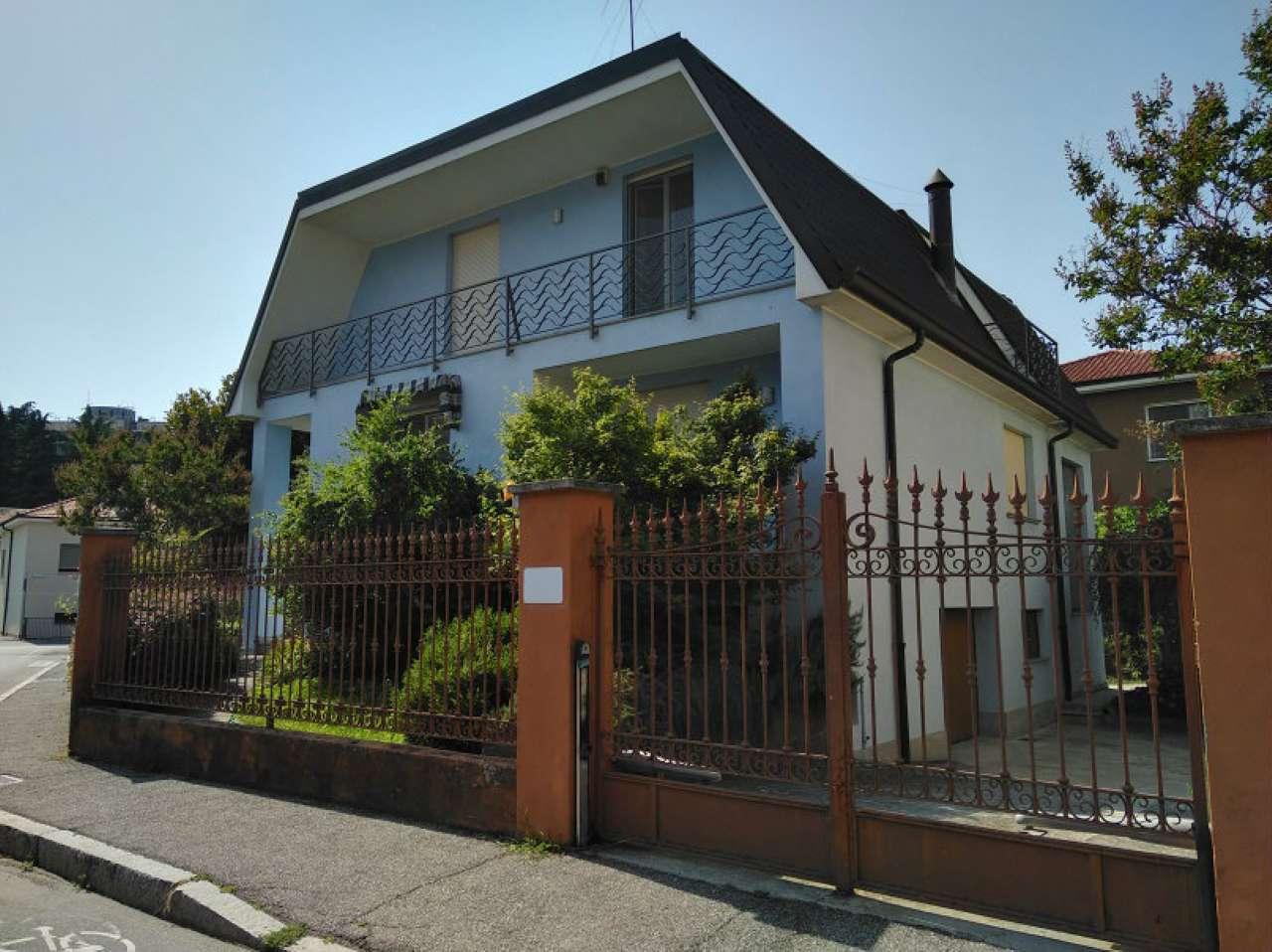 Villa in affitto a Lodi, 6 locali, prezzo € 2.000 | CambioCasa.it