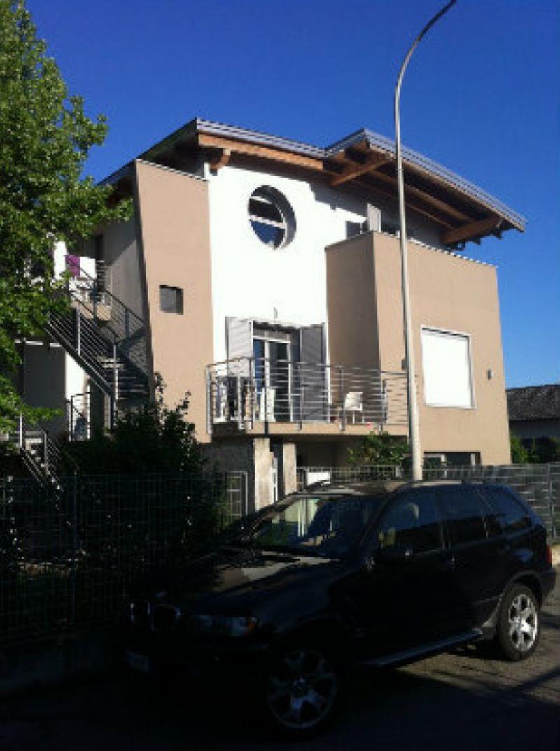 Villa in vendita a Massalengo, 5 locali, prezzo € 450.000 | Cambio Casa.it