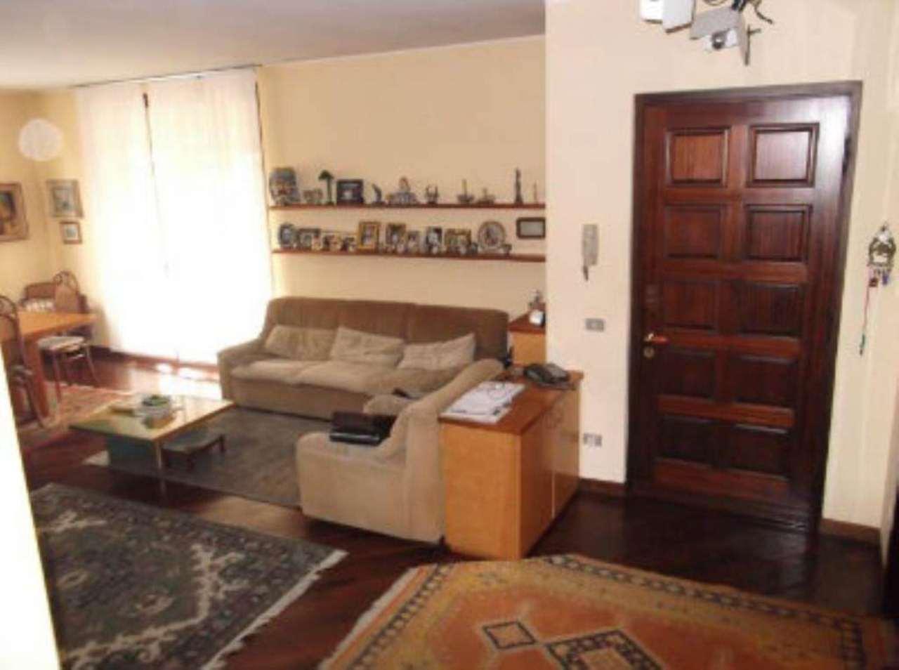 Villa in vendita a Lodi, 6 locali, prezzo € 550.000 | Cambio Casa.it