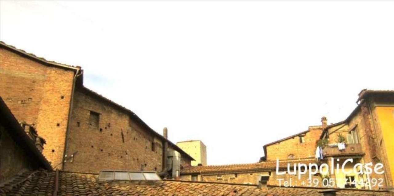 Bilocale Siena Piazza Il Campo 11