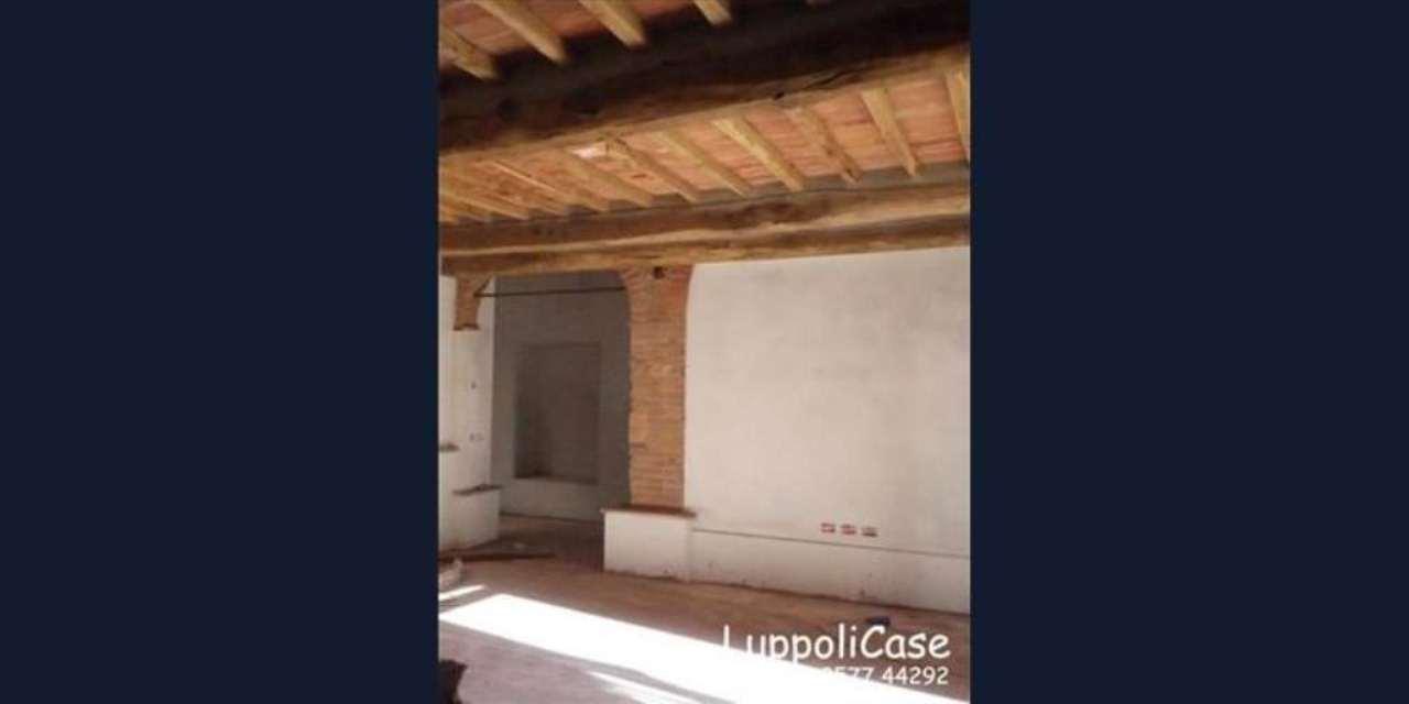 Bilocale Castelnuovo Berardenga Località S. Piero 9
