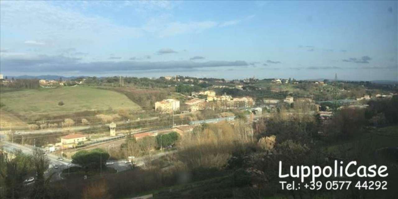 Bilocale Siena Viale Vittorio Emanuele Ii 3