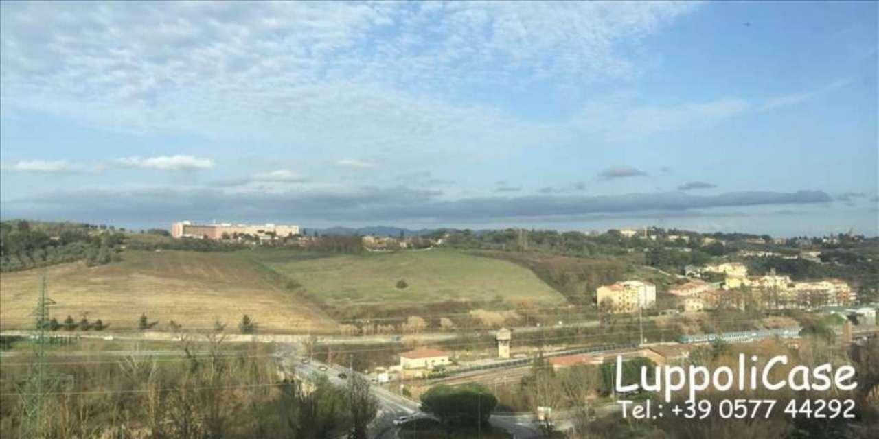 Bilocale Siena Viale Vittorio Emanuele Ii 4