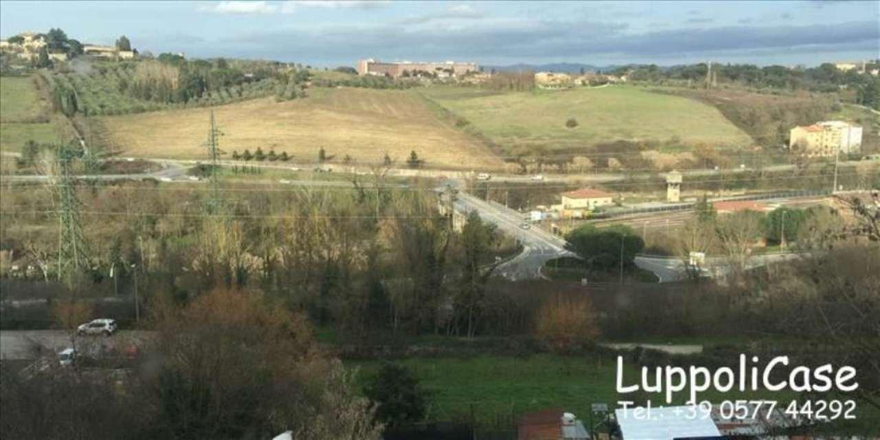 Bilocale Siena Viale Vittorio Emanuele Ii 5