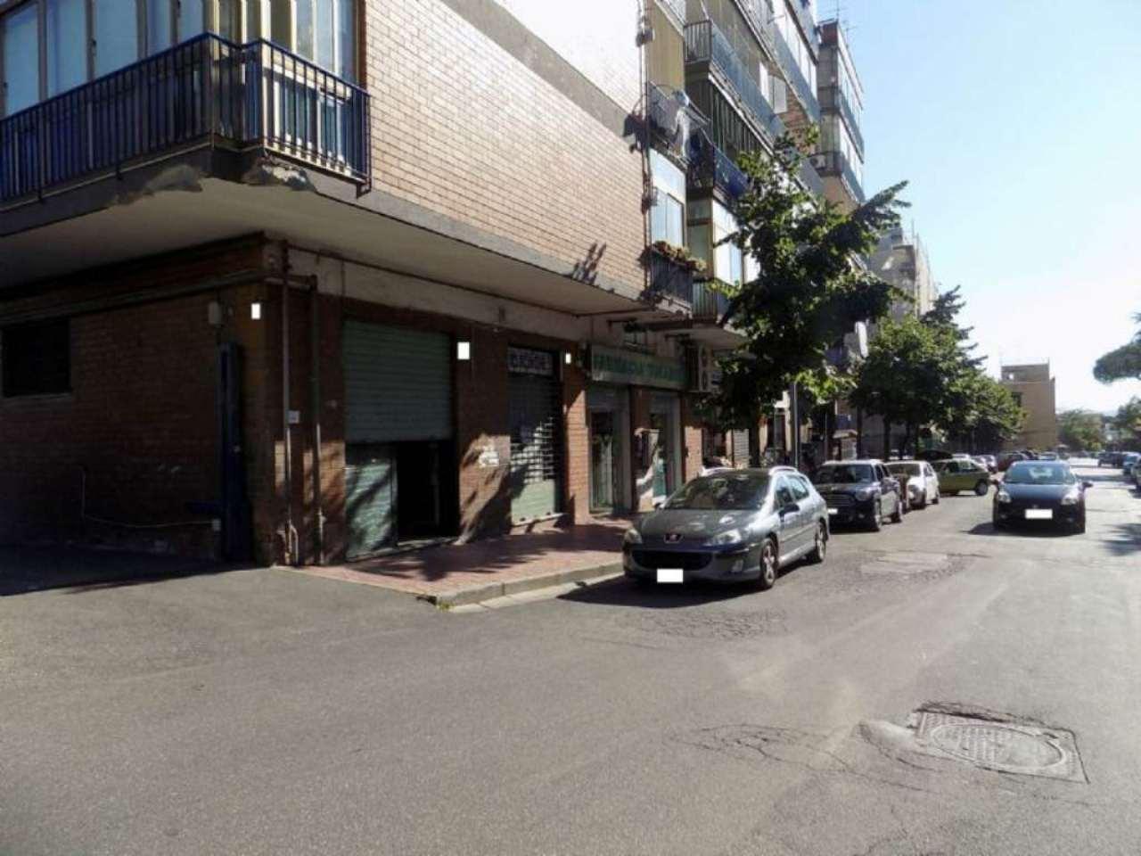 Negozio / Locale in affitto a San Giorgio a Cremano, 2 locali, prezzo € 800 | Cambio Casa.it
