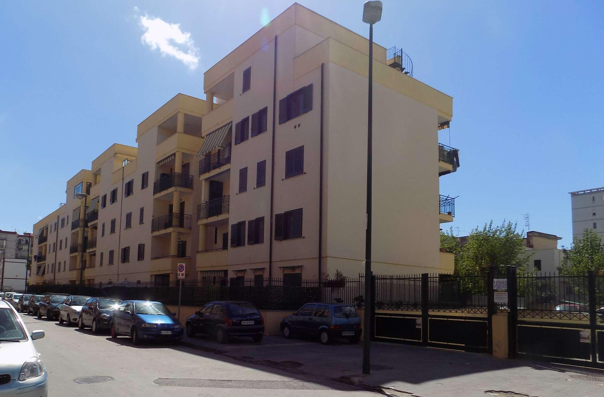 Bilocale Napoli Viale Due Giugno 2